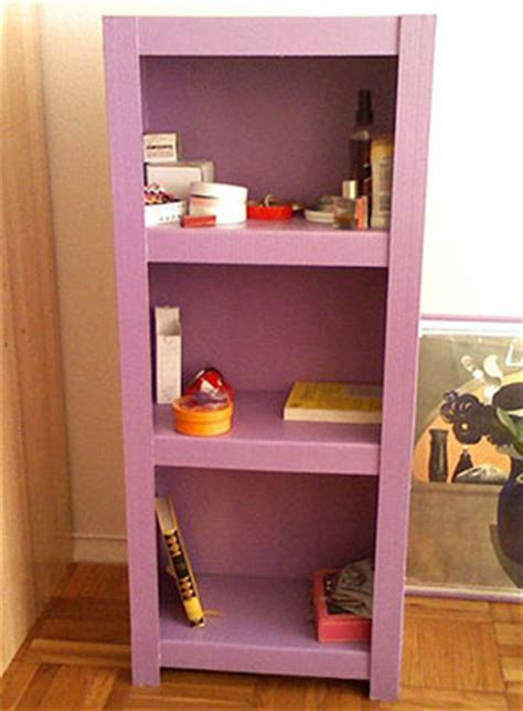 Recyclable: Feature Bookcases and Shelves from Cardboard